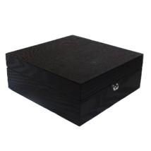 GC02-SP-06Z Fekete fa óratartó doboz 6 db órához, gyári hibás